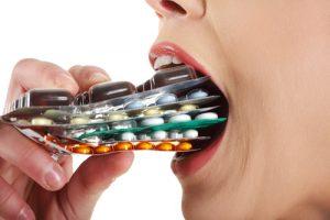 shutterstock 120021052 300x200 - Resistencia a los antibióticos, lucha constante