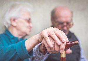 "shutterstock 225478723 300x209 - Investigación en Alzheimer: buscando la ""piedra clave"""
