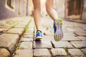 shutterstock 223838464 300x200 - Elige el calzado adecuado para tu pie y tu deporte