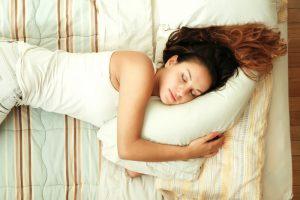shutterstock 184441376 300x200 - Dormir menos de lo saludable es ya una costumbre
