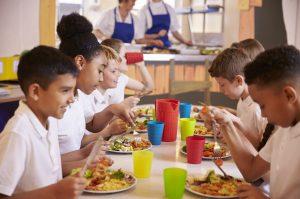 shutterstock 503425960 300x199 - Objetivo: prevenir la obesidad infantil desde las escuelas