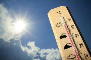 shutterstock 292309145 300x200 - Los golpes de calor en los pequeños