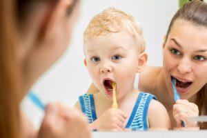 shutterstock 155523608 300x200 - Las claves para una sonrisa sana en los más pequeños