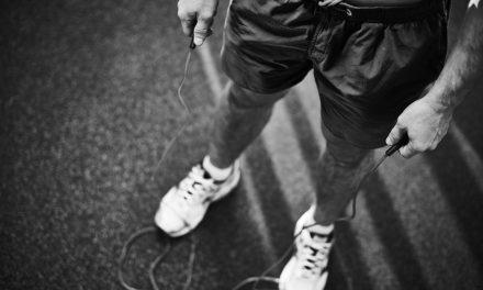 Saltar a la comba, un «juego» para quemar grasa y ponerse en forma