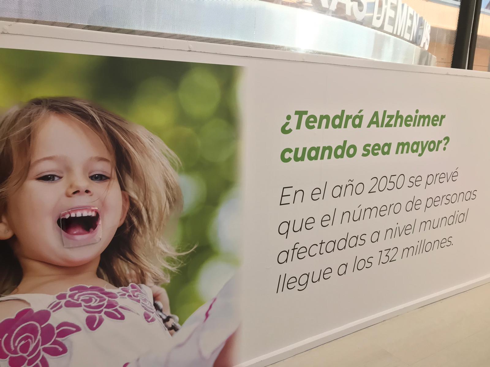 """Cartel interior bus - CEAFA lanza la campaña """"la nueva cara del Alzheimer"""" para una mayor concienciación de la enfermedad"""