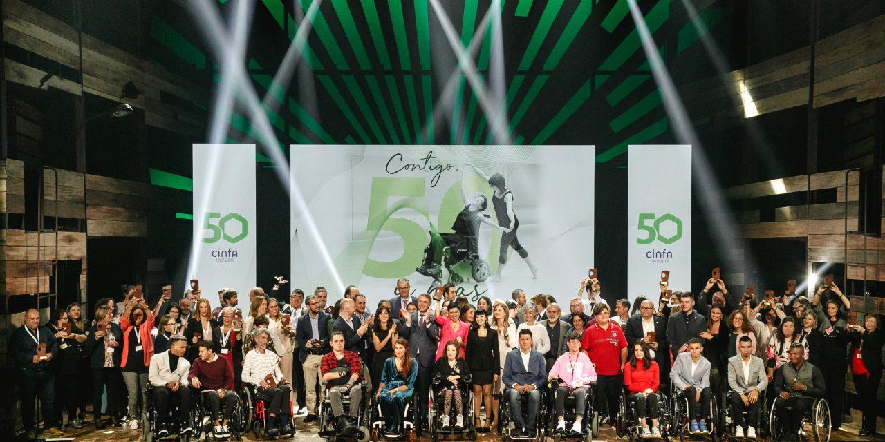 Cinfa celebra la gala «Contigo, 50 y más» en la que ha premiado a 50 asociaciones de pacientes