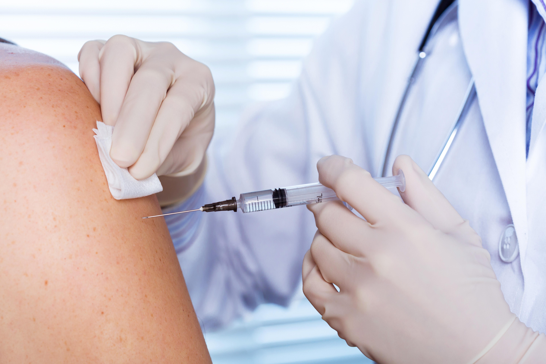 shutterstock 637303525 - Vacunas: Los pediatras señalan la desinformación como primera causa de no vacunación