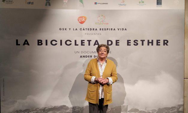 """Esther Gómara, paciente de epoc: """"Lo malo no es morirse, lo malo es vivir limitada y limitando a los demás. Es necesario concienciar más sobre la epoc"""""""