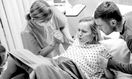 ¿Por qué se produce tanto dolor en el parto? La evolución tiene la respuesta