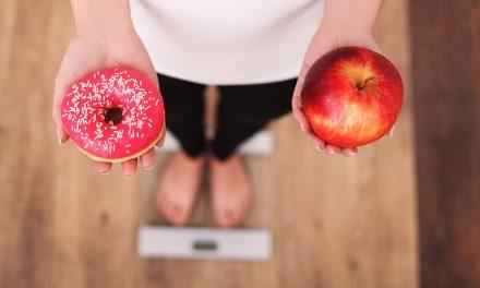 DKV presenta una guía con las mejores prácticas para luchar contra la obesidad infantil