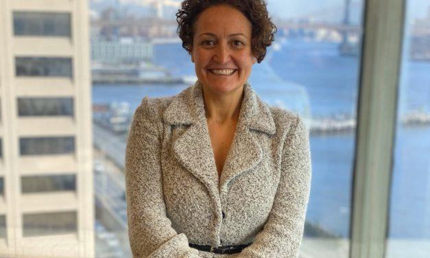 Ana Céspedes recibe «La Encina de Oro» por parte la Asociación cultural La Coscoja de Barrax