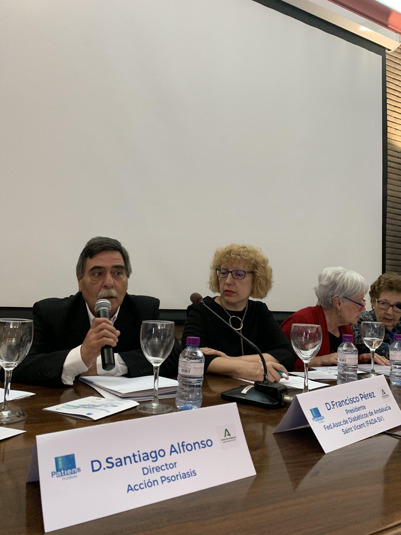 """ERsRoWOWoAAzBQG - El Instituto ProPatiens celebra en Sevilla la """"Jornada Medicamento y Sociedad: Las Asociaciones de Pacientes en Andalucía"""""""