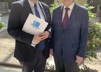 Santiago Alfonso Julio Sánchez Fierro scaled 400x284 - Las fotos y frases de la Jornada de Asociaciones de Pacientes en Andalucía