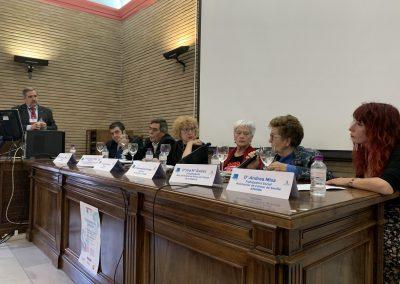 mesa asociaciones 1 scaled 400x284 - Las fotos y frases de la Jornada de Asociaciones de Pacientes en Andalucía
