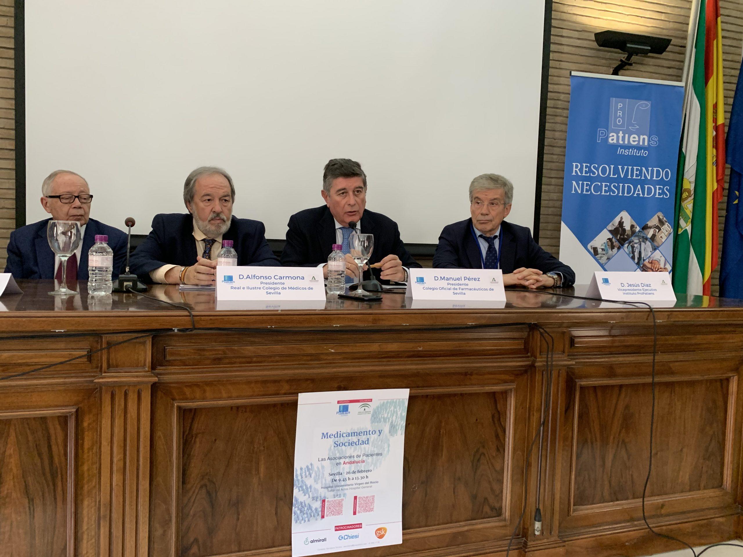 """mesa de clausura scaled - El Instituto ProPatiens celebra en Sevilla la """"Jornada Medicamento y Sociedad: Las Asociaciones de Pacientes en Andalucía"""""""