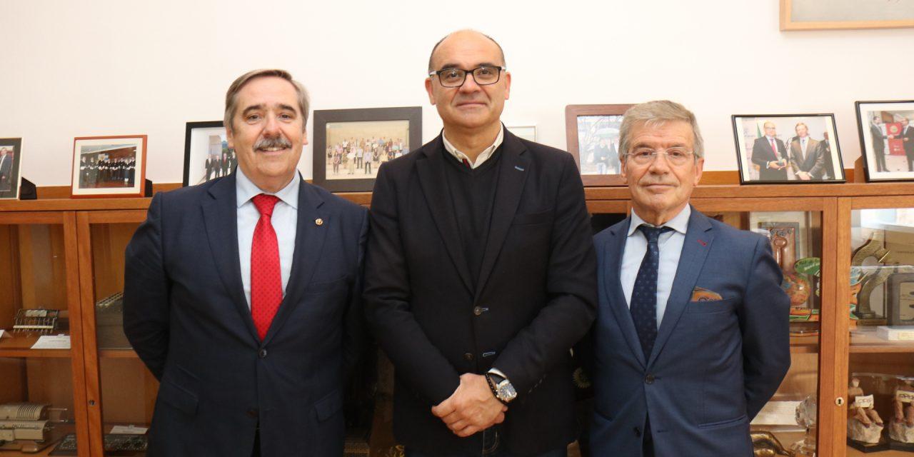 """El Instituto ProPatiens junto con la UA y la UMH crean la """"Cátedra del Paciente"""" para formar y profesionalizar a las Asociaciones de Pacientes"""