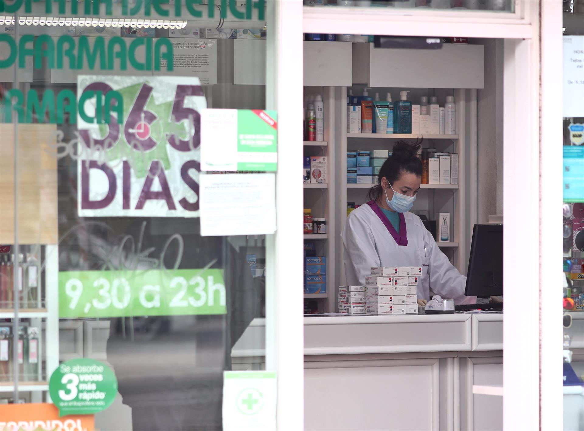 """farmaceuticos - Las profesiones sanitarias exigen conjuntamente al Gobierno """"decisiones urgentes y efectivas"""""""