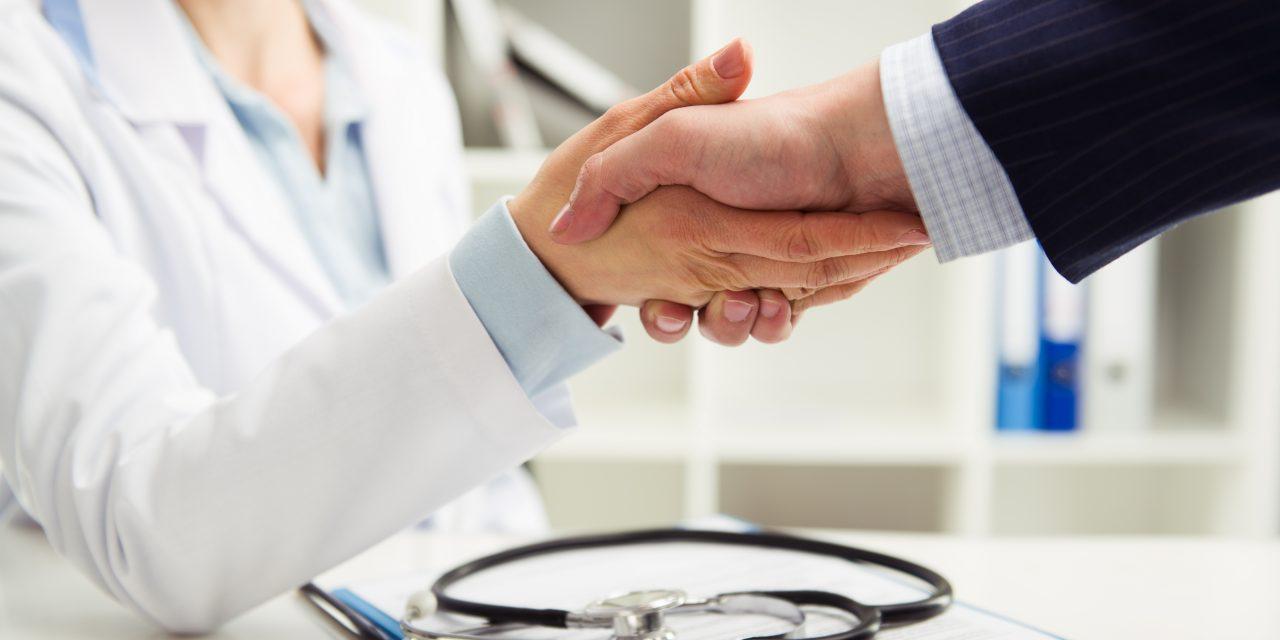 SegurCaixa Adeslas crea un fondo de apoyo de 160 millones para sus prestadores sanitarios