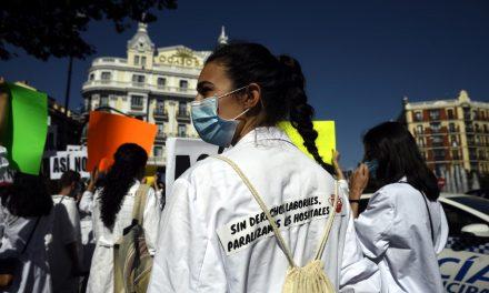 Amyts convoca huelga indefinida en hospitales por el «maltrato» de Comunidad de Madrid y Gobierno