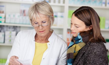 Acción Psoriasis y el CGCOF forman a pacientes con esta patología