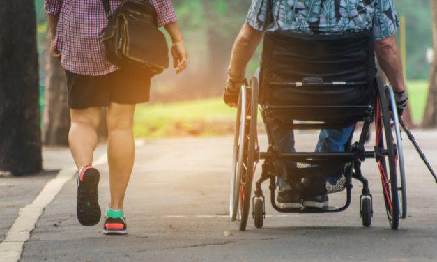 Un libro conmemora los 50 primeros años de abordaje de la esclerosis múltiple en España
