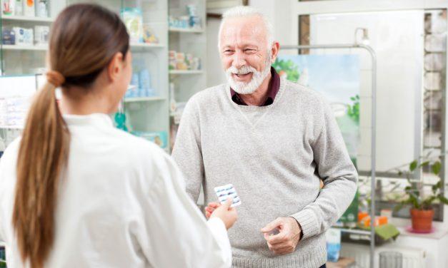 El 67% de los españoles acude al menos una vez al mes a la farmacia