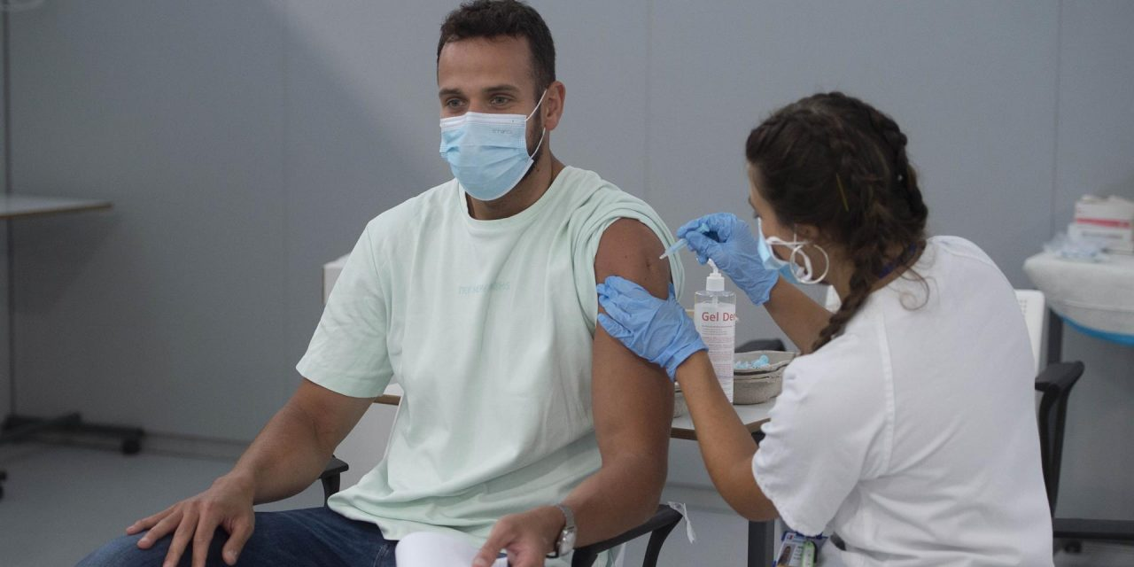 Por qué no debe omitirse la segunda dosis de la vacuna COVID-19