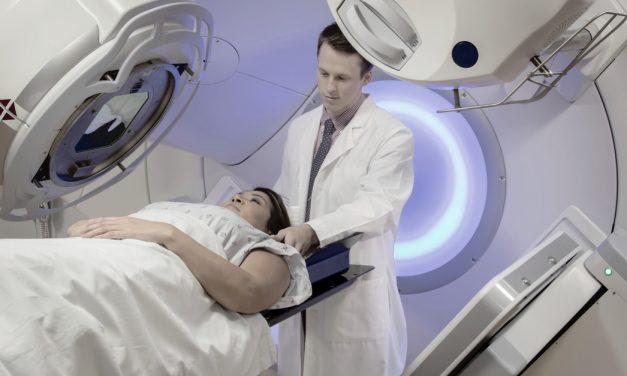 La radioterapia de la mama izquierda duplica el riesgo de enfermedad cardíaca frente a la derecha en mujeres jóvenes